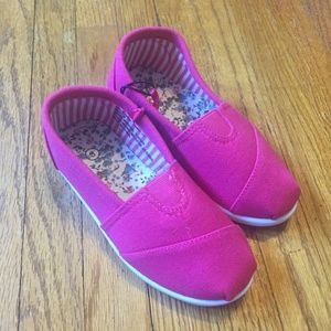 Other - Toddler Girls Size 8 Slip On Shoes Pink